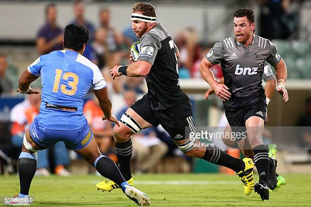 Kieran Read of the Crusaders makes a break during the round seven Super Rugby match between the Force and the Crusaders at nib Stadium on April 8...