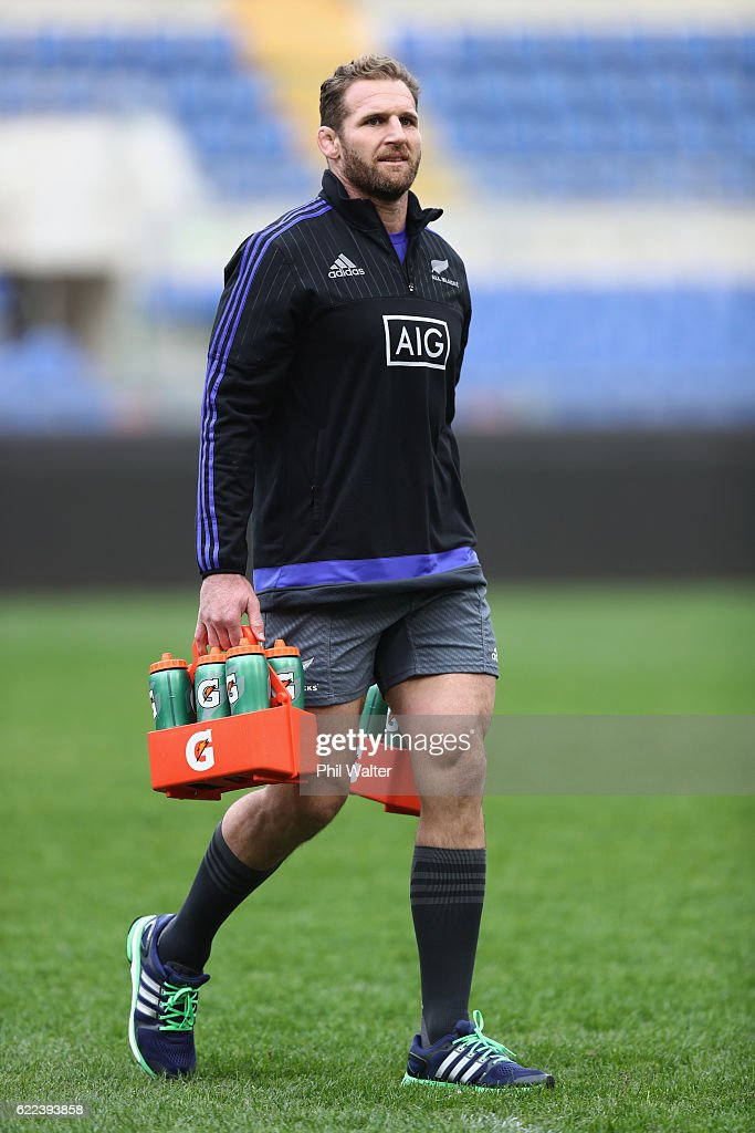 Kieran Read of the New Zealand All Blacks delivers the water during their captains run at Stadio Olimpico on November 11, 2016 in Rome, Italy.