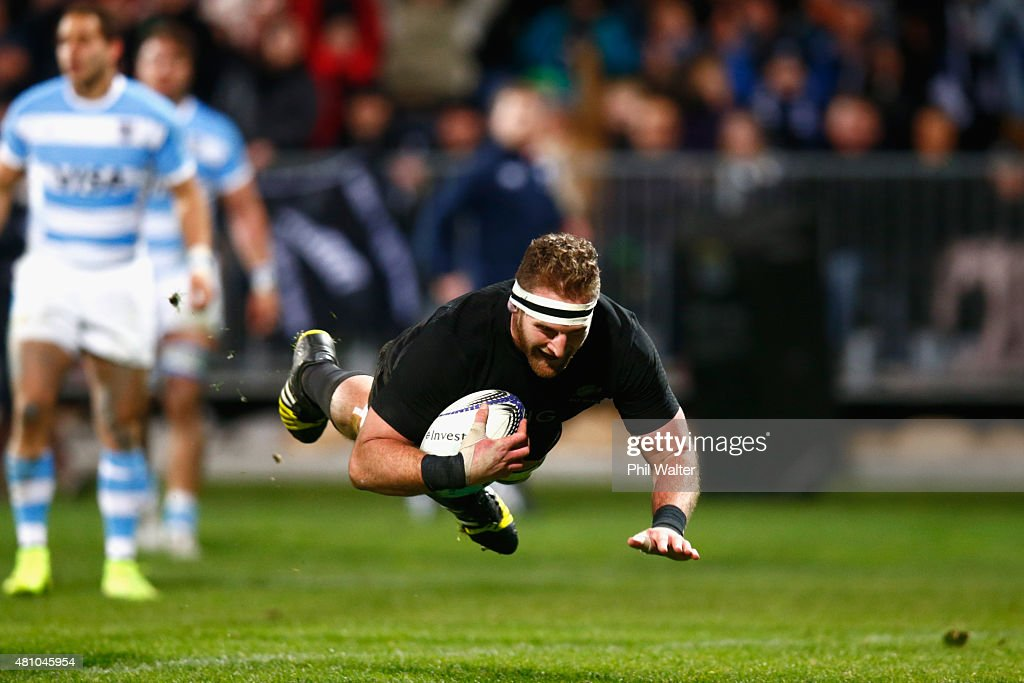 Kieran Read of the New Zealand All Blacks scores a try during The Rugby Championship match between the New Zealand All Blacks and Argentina at AMI Stadium on July 17, 2015 in Christchurch, New Zealand.
