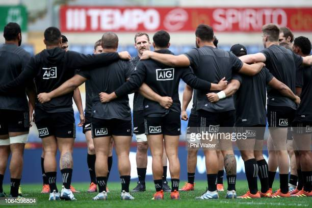 Kieran Read of the New Zealand All Blacks speaks to the team during the All Blacks Captains Run at Stadio Olimpico on November 23 2018 in Rome Italy