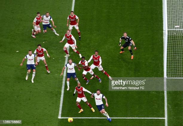 Kieran Tierney, Granit Xhaka, Rob Holding, Bernd Leno, Hector Bellerin, Thomas Partey, Gabriel and Alexandre Lacazette of Arsenal position themselves...