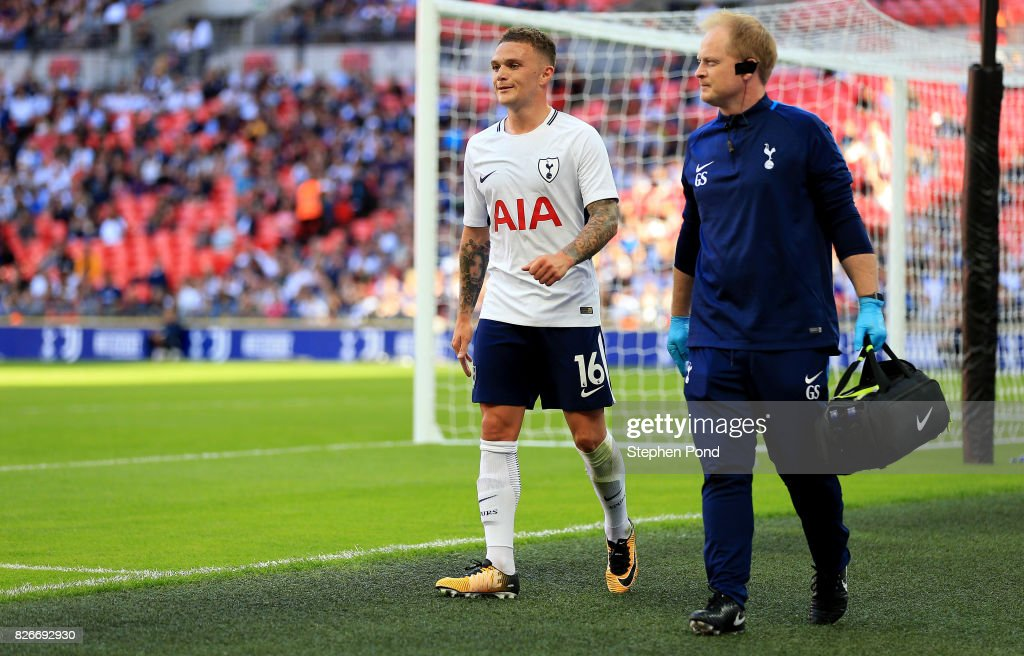 Kieran Trippier of Tottenham Hotspur leaves the field injured during the Pre-Season Friendly match between Tottenham Hotspur and Juventus on August 5, 2017 in London, England.
