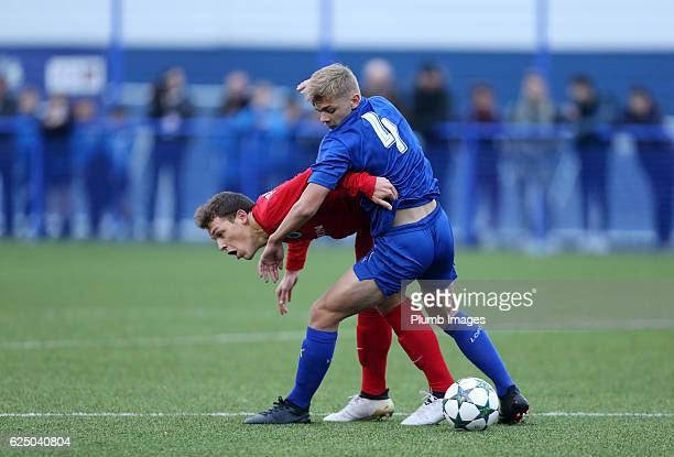 Kiernan DewsburyHall of Leicester City in action with Senne Lynen of Club Brugge during the UEFA Youth Champions League match between Leicester City...