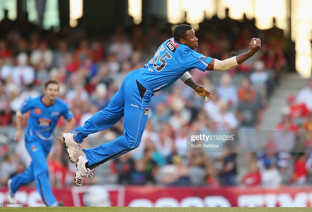 Big Bash League - Renegades v Strikers : News Photo
