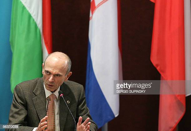 Slovenian President Janez Drnovsek speaks at the Forum of Community of Democratic Choice sittings with the participation of Presidents from Romania...