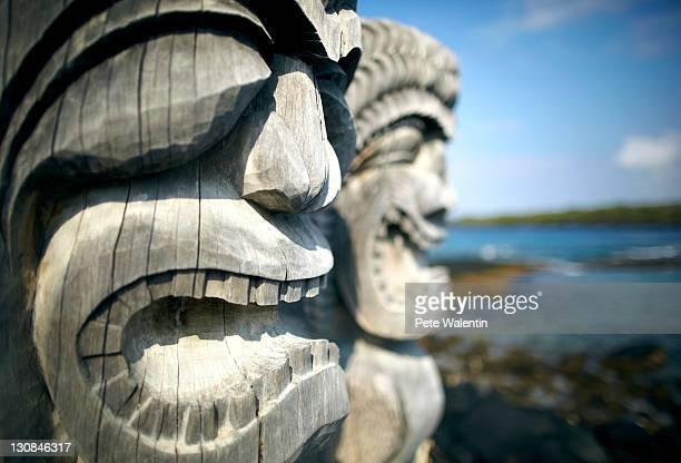 Ki'i wood carving, Hale o Keawe, Pu'uhonua o Honaunau, National Historical Park, Kona Coast, Big Island, Hawaii, USA