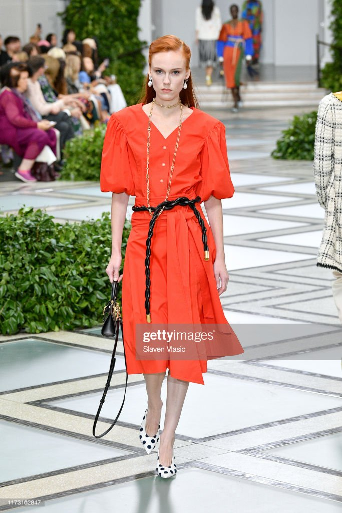 Tory Burch NYFW SS20 - Runway : News Photo