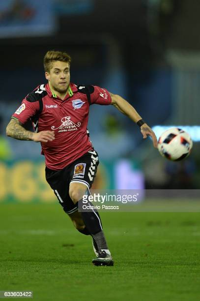 Kiko Femenia of Alaves in action during the Copa del Rey semifinal first leg match between Real Club Celta de Vigo and Deportivo Alaves at Municipal...