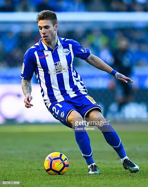 Kiko Femenia of Deportivo Alaves runs with the ball during the La Liga match between Deportivo Alaves and Club Atletico de Madrid at Mendizorroza...