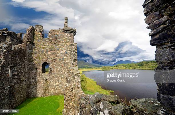 CONTENT] Kilchurn Castle is a ruined 15th and 17th century structure on a rocky peninsula at the northeastern end of Loch Awe in Argyll and Bute...