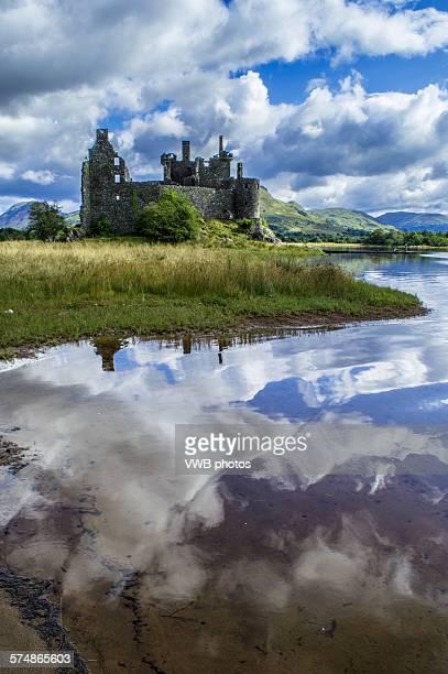 kilchurn castle, loch awe, argyll - cultura escocesa imagens e fotografias de stock