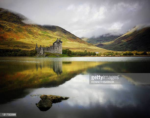 kilchurn castle loch awe - strathclyde stock pictures, royalty-free photos & images