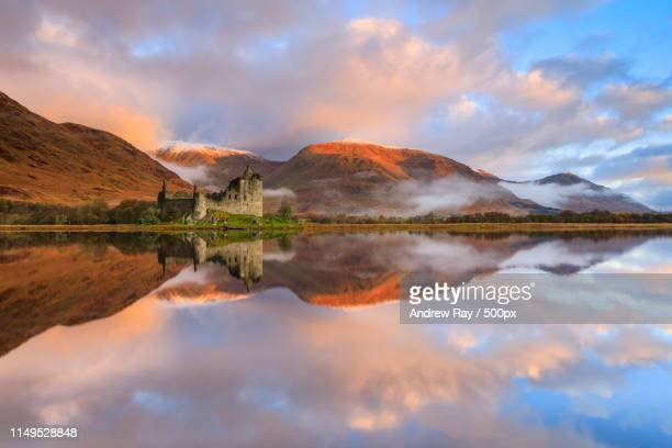 kilchurn castle reflections - strathclyde stock pictures, royalty-free photos & images