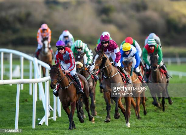 Kildare Ireland 15 January 2020 Colour Me In with Trevor Ryan up left and Empire Burleque with Kevin Brogan up leads the Ladbrokes 'Where The Nation...