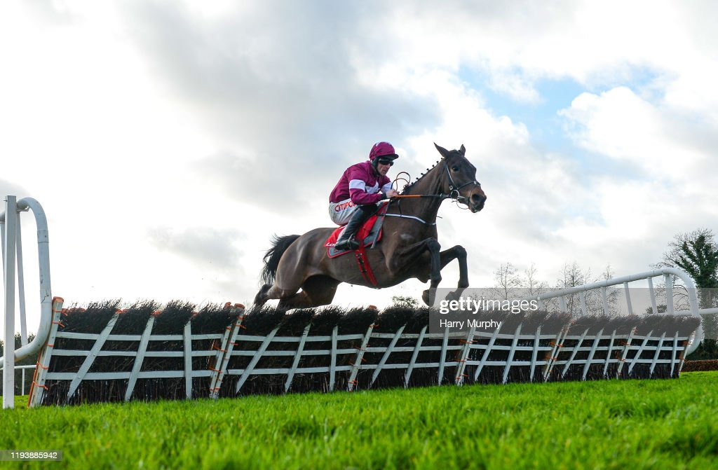 Horse Racing from Punchestown : News Photo