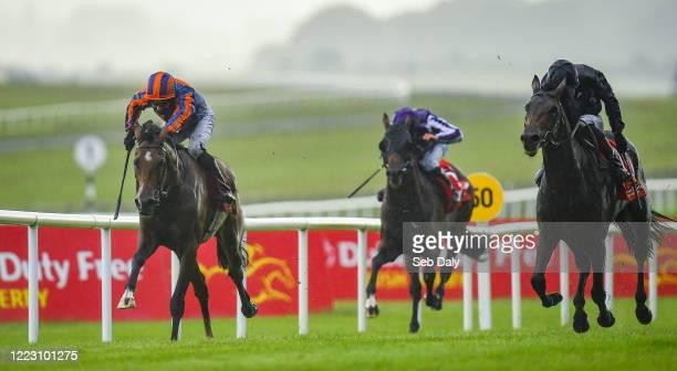 Kildare , Ireland - 27 June 2020; Santiago, left, with Seamie Heffernan up, races along side eventual second place Tiger Moth, with Emmet McNamara...
