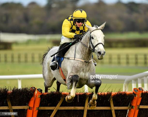 Kildare , Ireland - 5 January 2020; Asterion Forlonge, with Paul Townend up, jumps the last on their way to winning the INH Stallion Owners EBF...