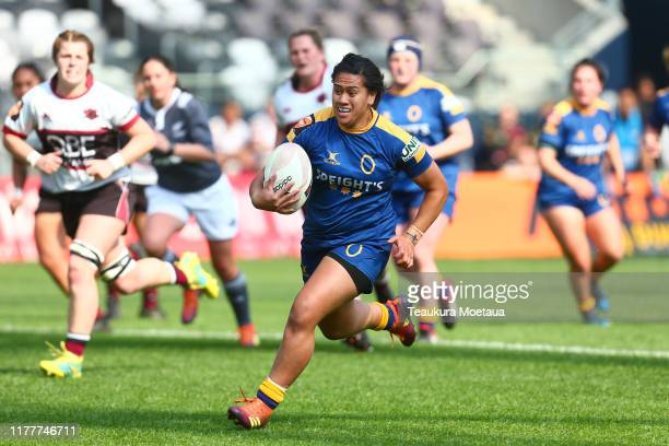 Kilisitina Moata'ane of Otago makes a break during the round 5 Farah Palmer Cup match between Otago and North Harbour at Forsyth Barr Stadium on...