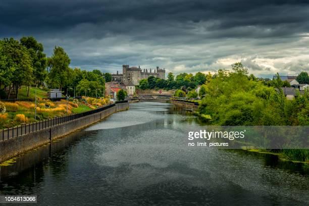 kilkenny castle - luogo d'interesse nazionale foto e immagini stock