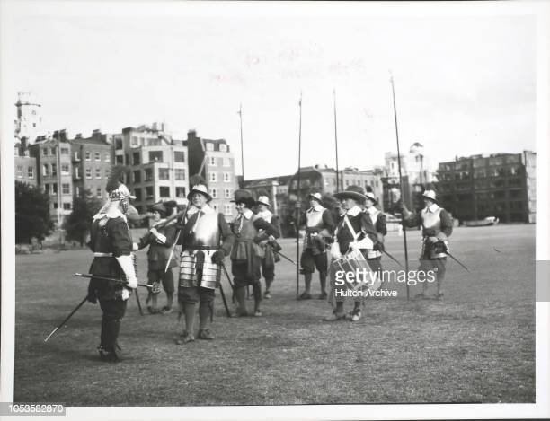 Killed Story Pikemen and Musketeers of the Honourable Artillery Company at Artillery Garden Finsbury London The HAC was established sometime before...
