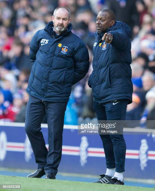 Kilmarnock manager Steve Clarke and Alex Dyer during the Ladbrokes Scottish Premiership match at Ibrox Stadium Glasgow