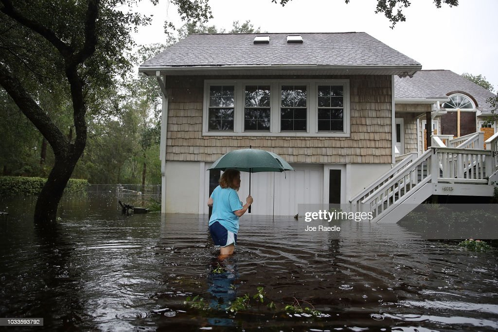 Carolinas' Coast Line Recovers From Hurricane Florence, As Storm Continues To Pour Heavy Rain On The States : ニュース写真