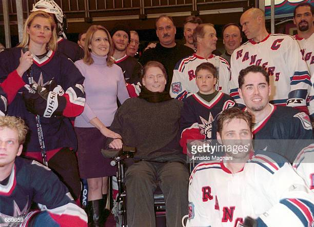 Kim Alexis Dana Reeve Christopher Reeve their son Will John Davidson Rod Gilbert Sam Rosen and Mark Messier Sandy McCarthy and Jason Priestley pose...