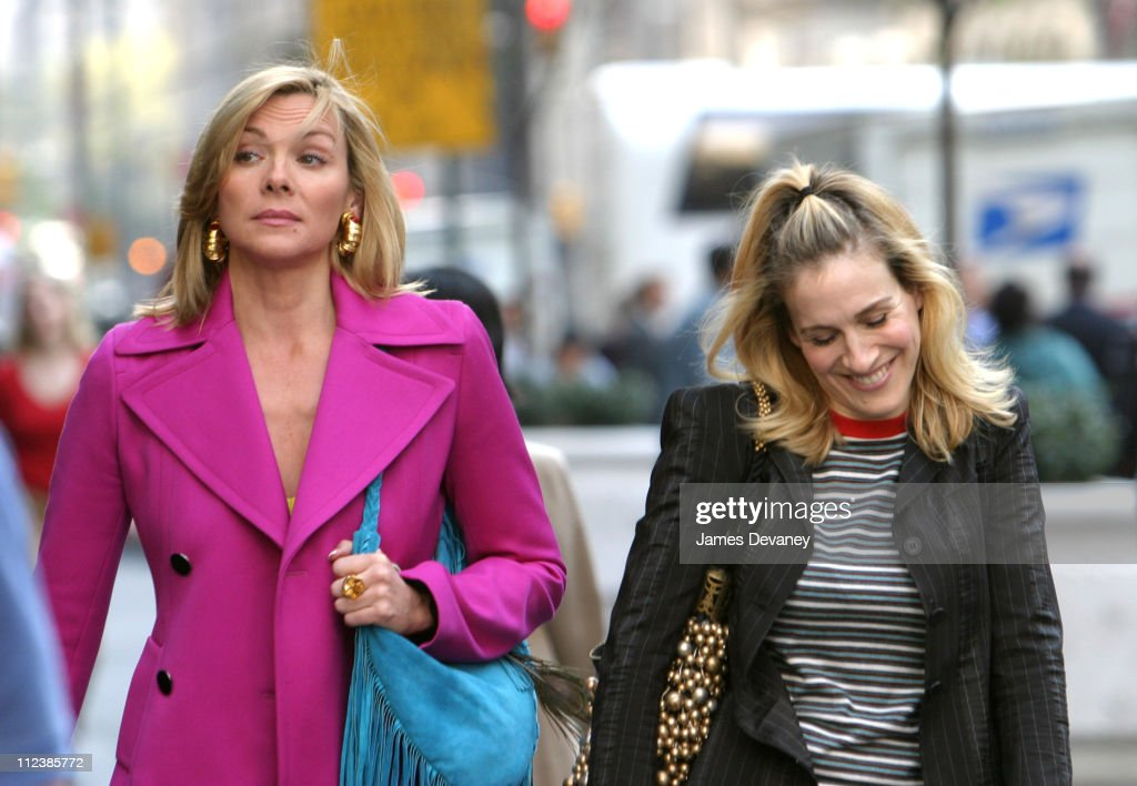 """Kim Cattrall and Sarah Jessica Parker On Location For """"Sex And The City"""""""