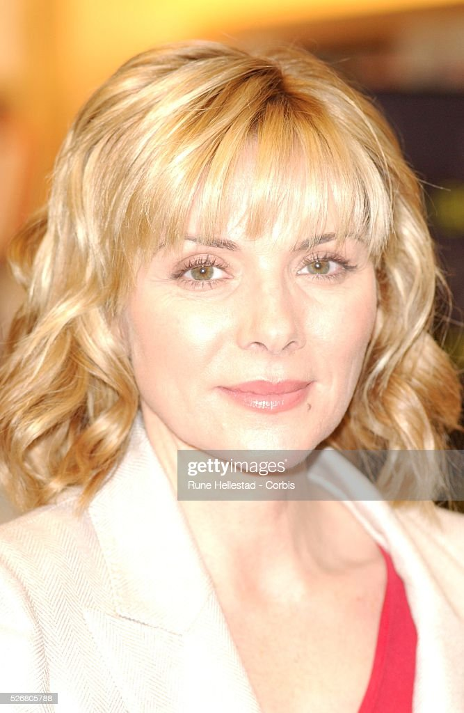 Kim Cattrall At The Launch Of Her New Book Satisfaction -4077