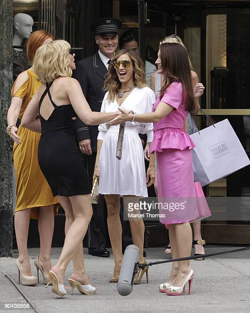 Kim Cattrall Cynthia Nixon Sarah Jessia Parker and Kristin Davis are seen filming on location for Sex And The City 2 on the streets of Manhattan on...