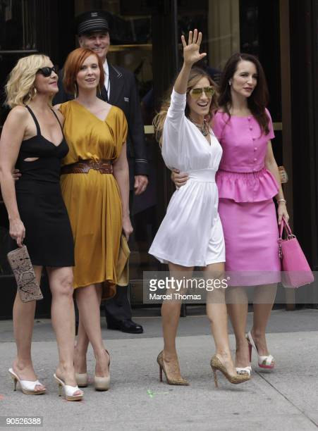 Kim Cattrall Cynthia Nixon Sarah Jessica Parker and Kristin Davis are seen filming on location for 'Sex And The City 2' on the streets of Manhattan...