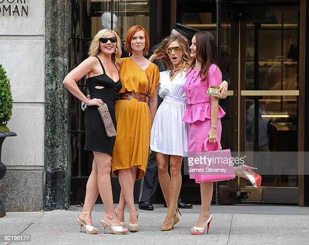 """Kim Cattrall, Cynthia Nixon, Sarah Jessica Parker and Kristin Davis filming on location for """"Sex And The City 2"""" on the Streets of Manhattan on..."""