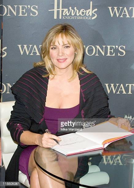 Kim Cattrall during Kim Cattrall Signs Her Book 'Sexual Intelligence' at Harrods in London November 7 2005 at Harrods in London Great Britain