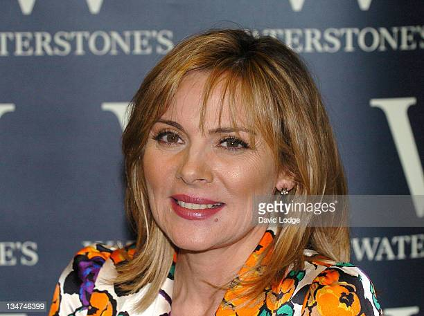 Kim Cattrall during Kim Cattrall Signs Her Book 'Sexual Intelligence' at Waterstone's in London November 8 2005 at Waterstones Leadenhall in London...