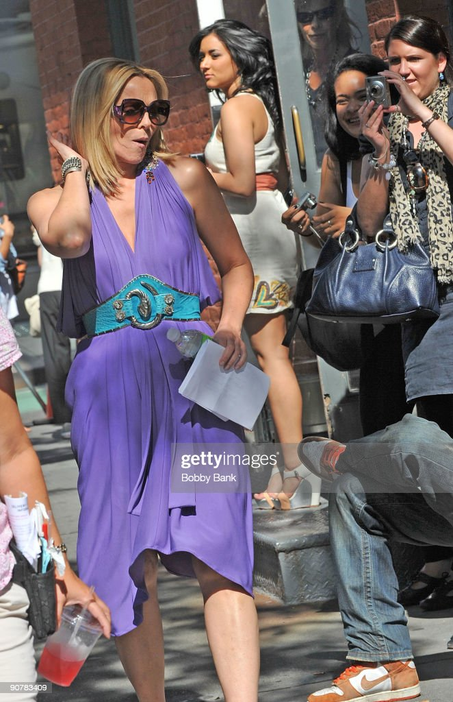 Kim Cattrall filming on location for 'Sex And The City 2' on the streets of Manhattan on September 14, 2009 in New York City.