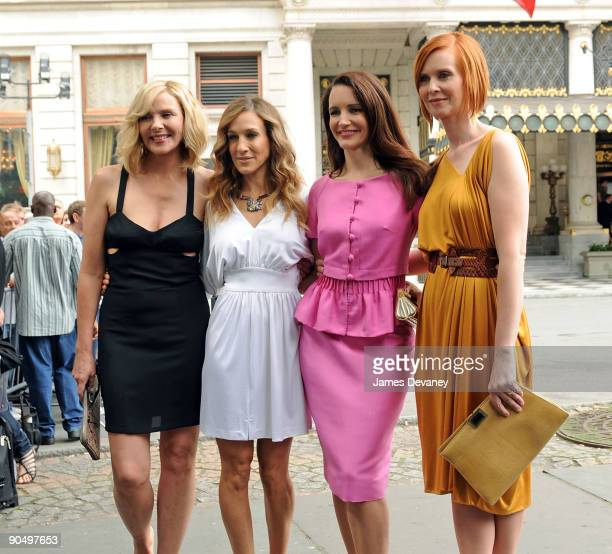 Kim Cattrall Sarah Jessica Parker Kristin Davis and Cynthia Nixon filming on location for 'Sex And The City 2' on the Streets of Manhattan on...