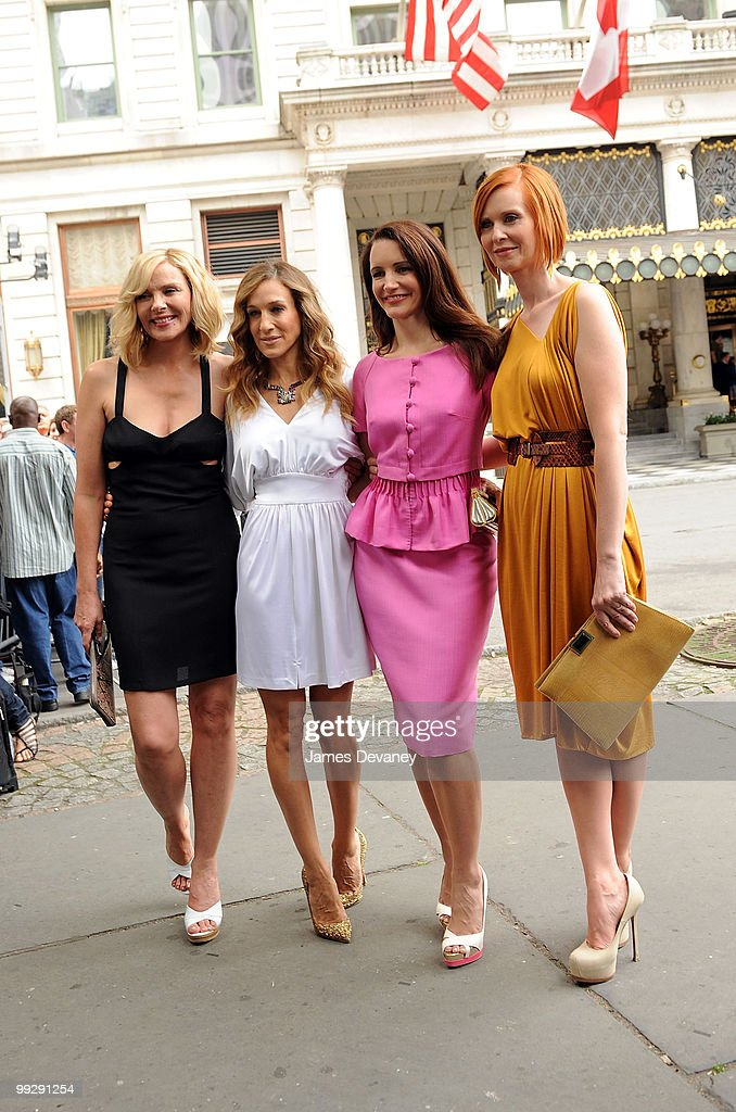 Kim Cattrall, Sarah Jessica Parker, Kristin Davis and Cynthia Nixon filming on location for 'Sex And The City 2' on the streets of Manhattan on September 8, 2009 in New York City.