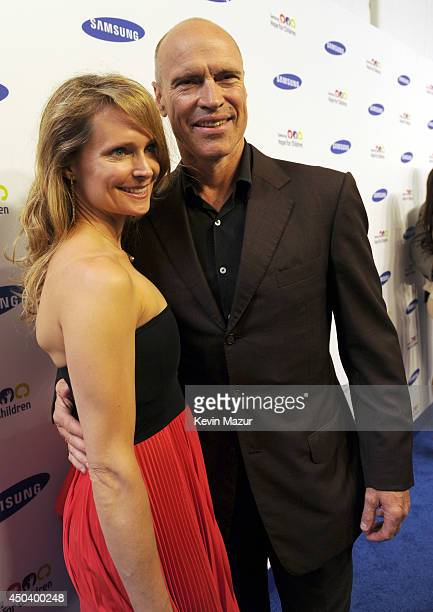 Kim Clark and Mark Messier attends the Samsung Hope For Children Gala 2014 at Cipriani Wall Street on June 10 2014 in New York City