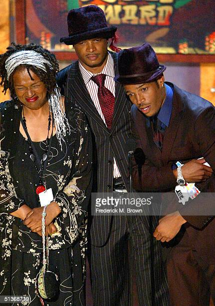 Kim Damon and Shawn Wayans accept their award for BET Comedy Icon Award onstage at the FirstEver BET Comedy Awards at the Pasadena Civic Auditorium...