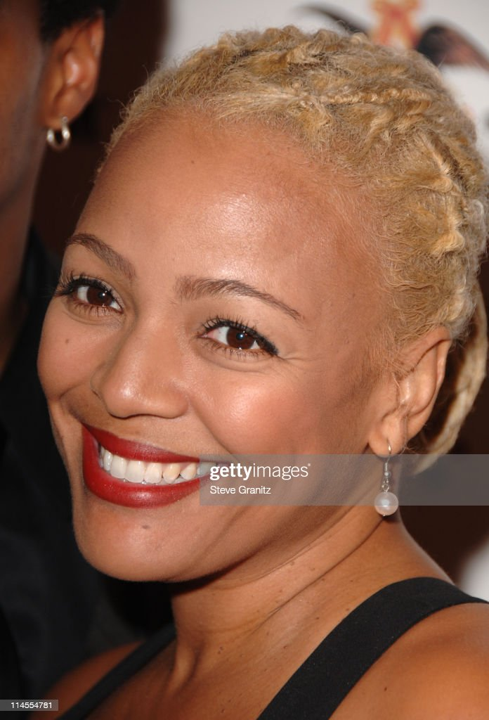 Ebony 2007 Pre-Oscar Celebration - Arrivals : News Photo