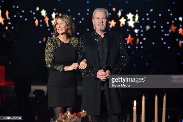 Kim Fisher and irish singer Johnny Logan during the taping of the MDR TV show 'Weihnachten bei uns' at Stadthalle on November 6 2018 in Zwickau...