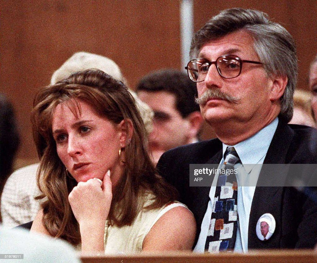 Kim Goldman (L) and Fred Goldman (R) sister and fa