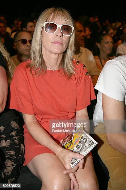 Kim Gordon attends ANNA SUI Spring 2008 Collection at The Tent on September 10 2007 in New York City