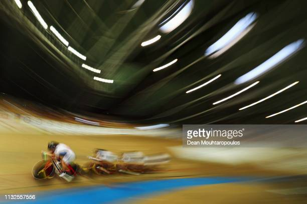 Kim Hyunji Kim Youri Lee Jumi and Na Ahreum of South Korea compete in the Women's Team Pursuit qualifying on day one of the UCI Track Cycling World...