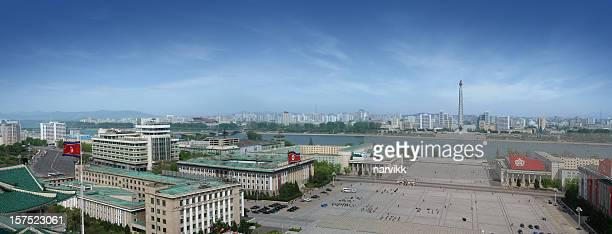 kim il sung square in pjöngjang - pyongyang stock-fotos und bilder