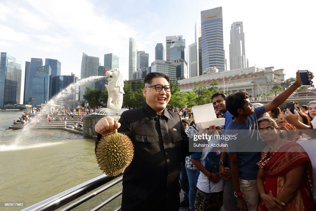 Kim Jong Un Impersonator Makes An Appearance In Singapore
