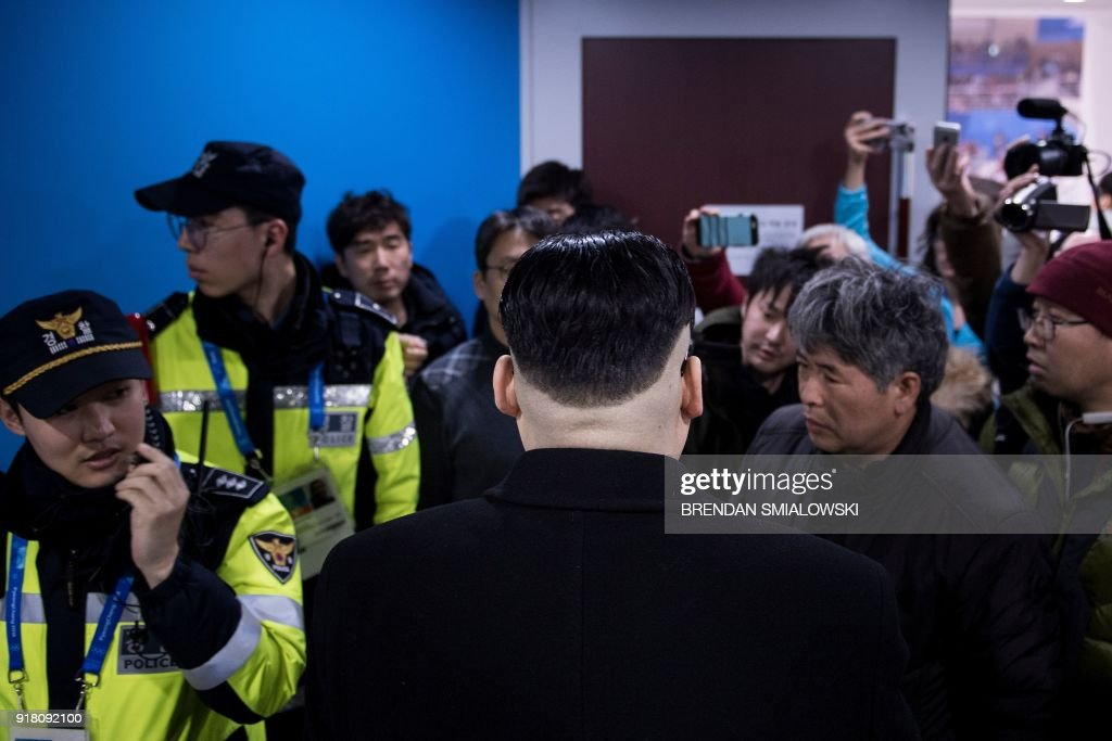 TOPSHOT-IHOCKEY-OLY-2018-PYEONGCHANG-JPN-KOR-PRK : News Photo