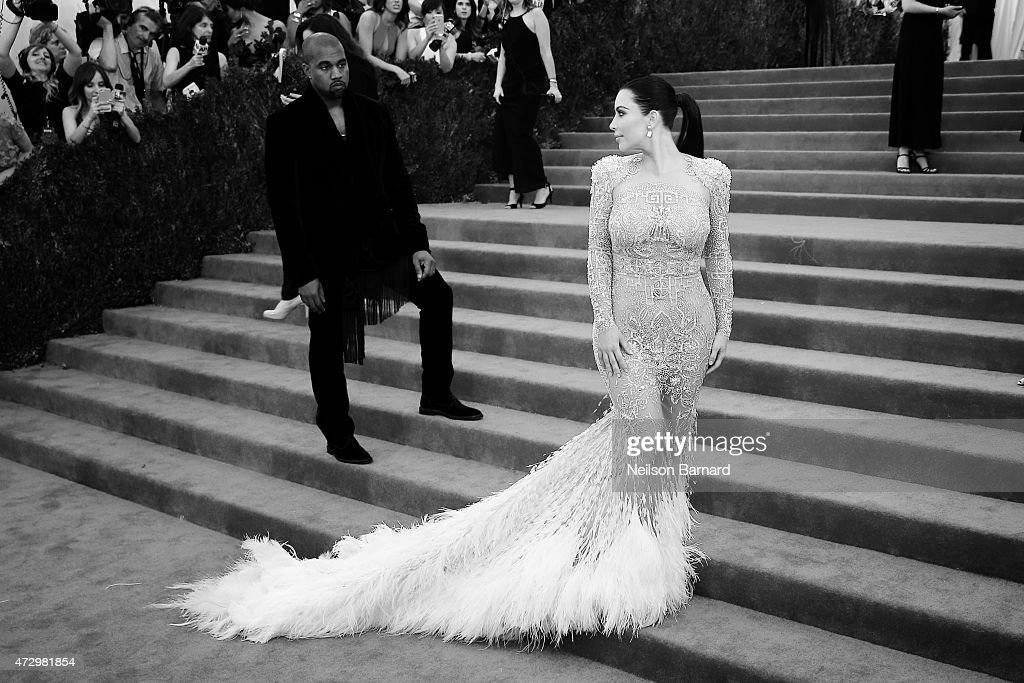 'China: Through The Looking Glass' Costume Institute Benefit Gala - Alternative Views : News Photo
