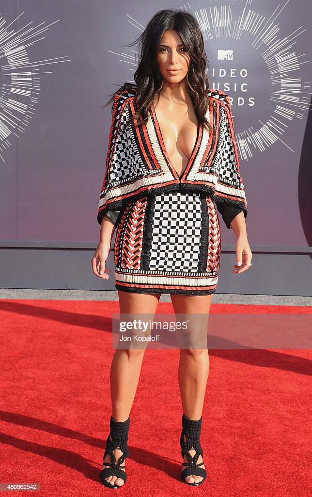 Kim Kardashian arrives at the 2014 MTV Video Music Awards at The Forum on August 24, 2014 in Inglewood, California.