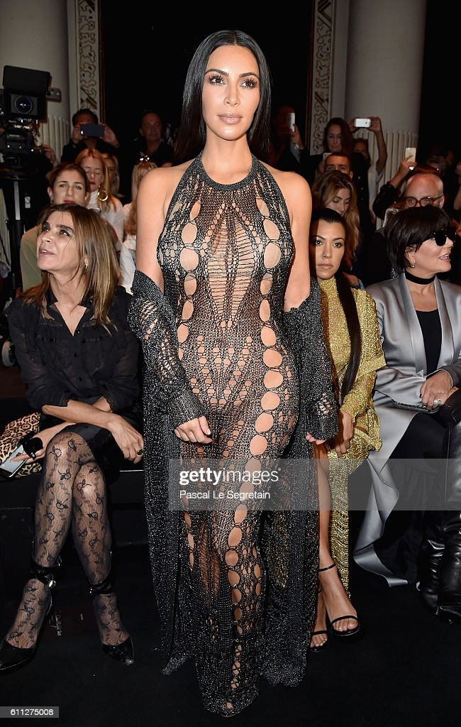 Kim Kardashian attends the Balmain show as part of the Paris Fashion Week Womenswear Spring/Summer 2017 on September 29, 2016 in Paris, France.